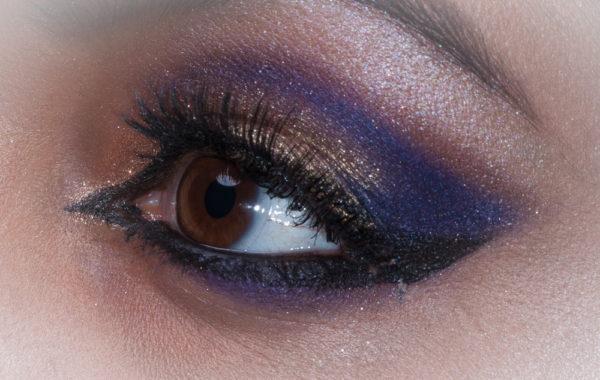 Indiase oog make-up laten doen